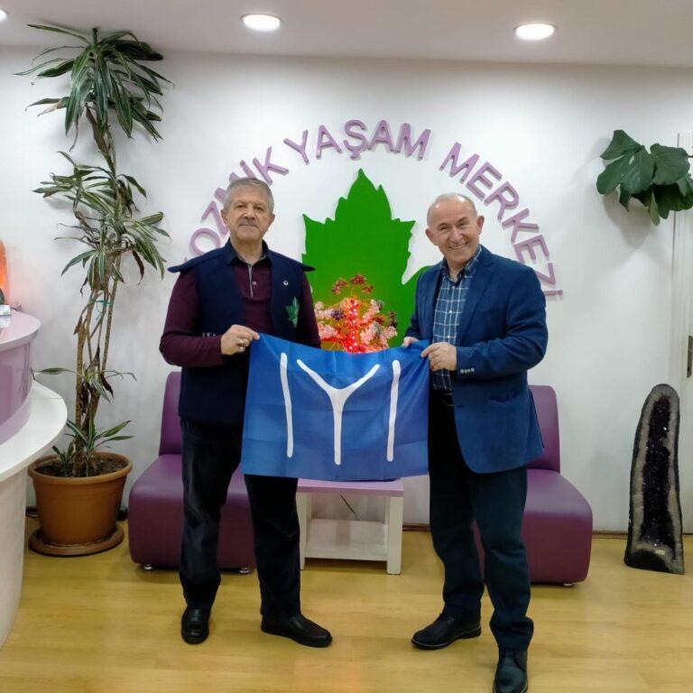 Tarih Yazarı Prof. Dr. Ahmet Şimşirgil İstanbul Topkapı Kozmik Yaşam Merkezimizi ziyaret etti.