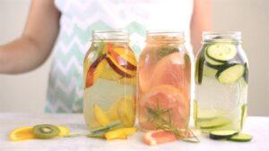 Kavurucu Sıcaklarda Kesinlikle İçmeniz Gereken 4 Detoks Suyu