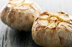 6 Diş Pişmiş Sarımsak Yediğinizde Vücudunuzda Bakın Neler Oluyor?