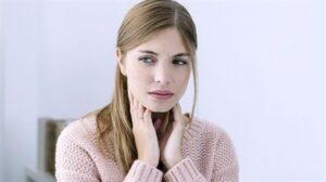 Boğaz ağrısından kurtulmanın hızlı ve doğal yolu
